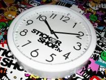 http://stickershop.lv/uzlimes/uploads/photos/95479fa3591d42b2a817c9b6f43112b2.JPG
